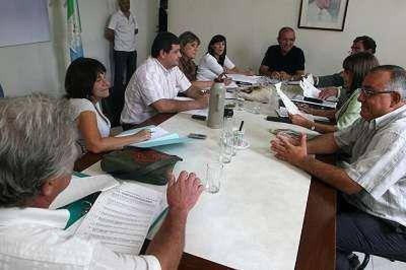 Insólito: la Alianza quería que Picón se vaya, pero ahora pide que se quede.