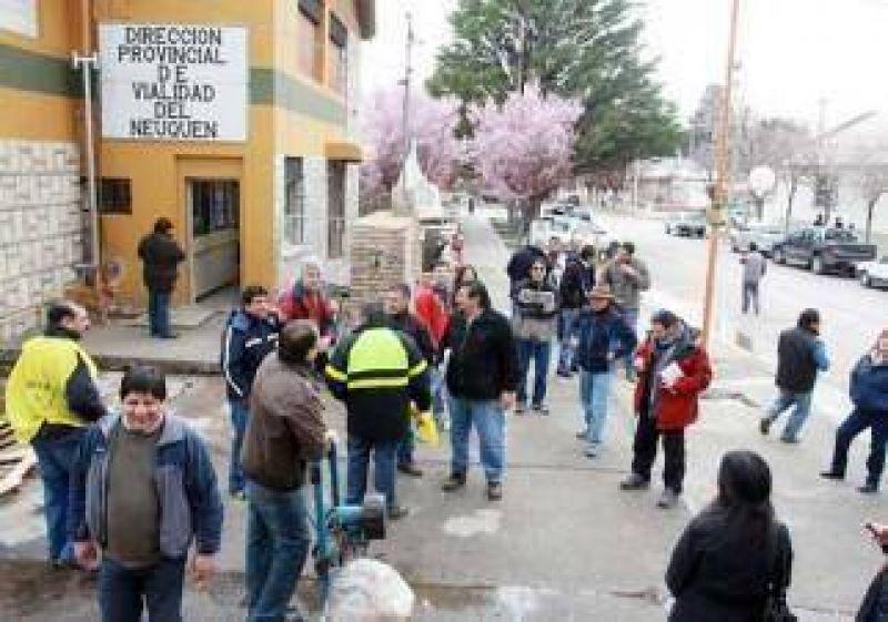 Viales amenazan cortar paso en Zapala