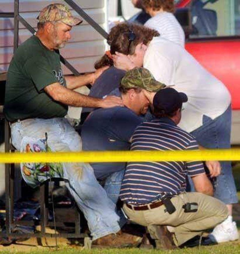 EE.UU.: al menos diez muertos en un tiroteo