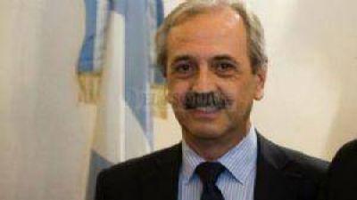 El ministro Molina dará explicaciones a diputados