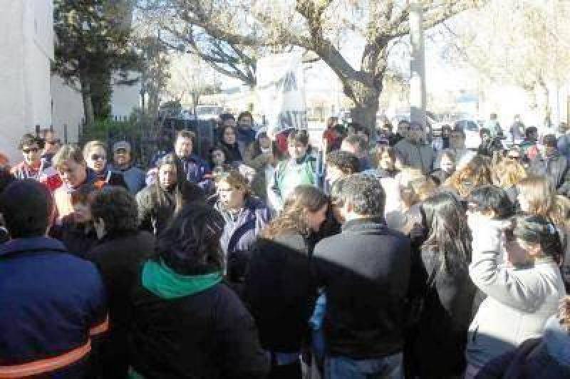 Municipales de Deseado levantaron la huelga