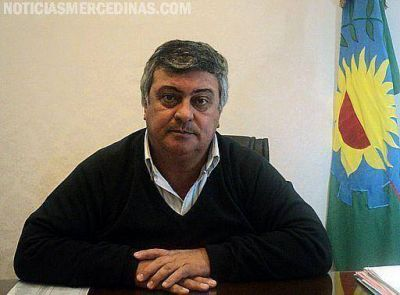 El intendente Carlos Selva anunció un aumento para los trabajadores municipales este mes