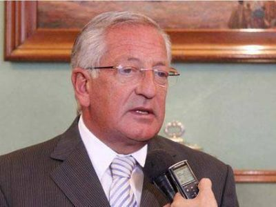 El Gobernador repudió  A los grupos violentos