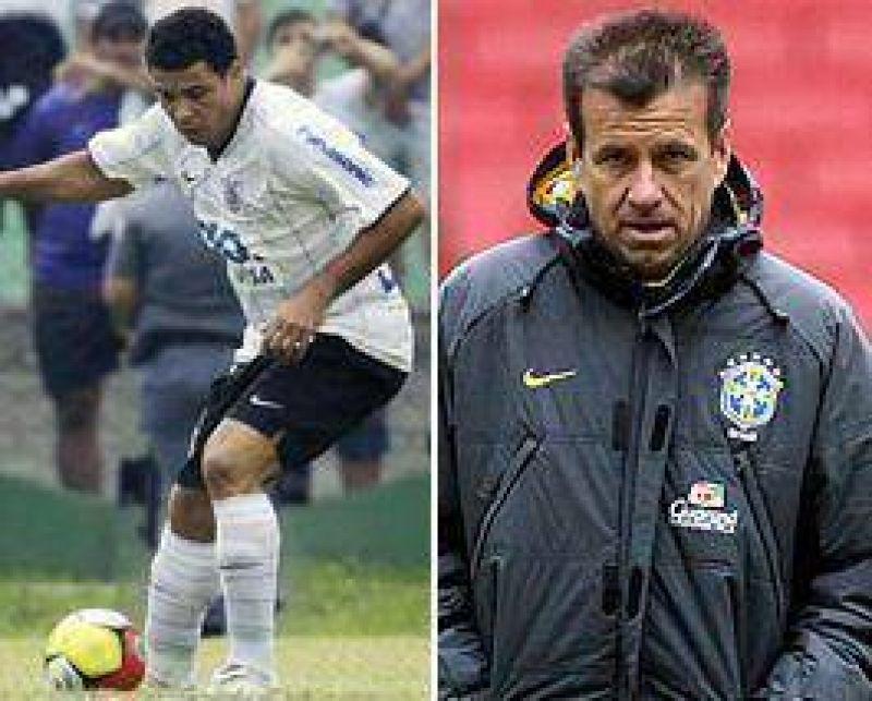 Dunga podría volver a convocar a Ronaldo para la selección de Brasil.