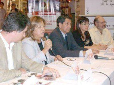 Con grandes expectativas lanzaron la FICoP 2012
