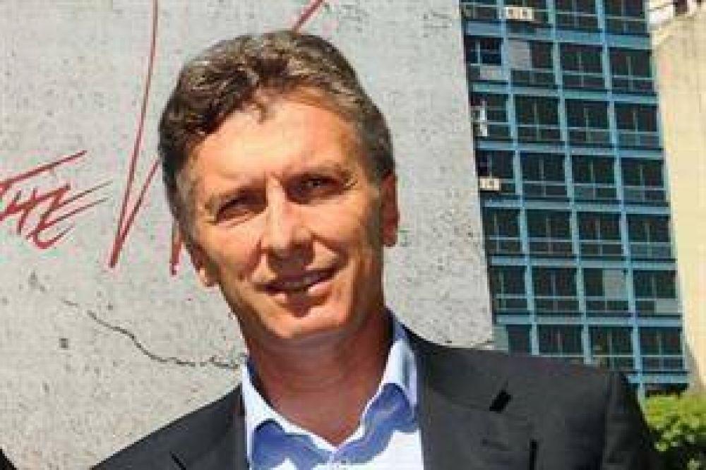 """Macri: """"Cuando arranca la cadena nacional, agarro un buen libro"""""""