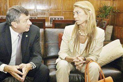 El ministro Yauhar lanzar� junto al gobernador Gerardo Zamora la campa�a algodonera 2012
