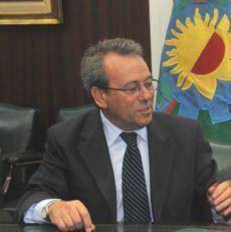 Molina dijo que los médicos deben levantar la medida el tiempo necesario hasta llegar a un acuerdo.