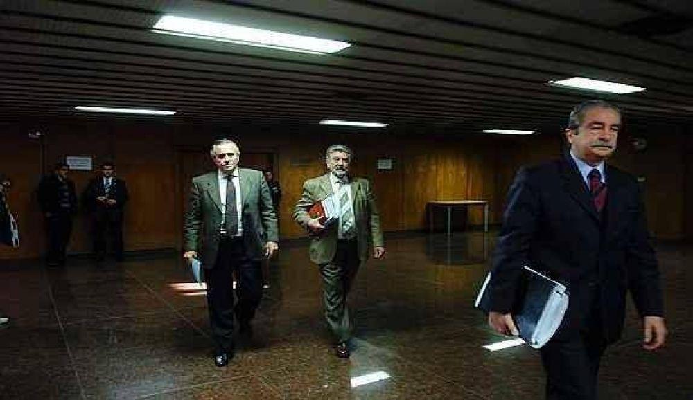 Severa réplica del Tribunal al fiscal Asís