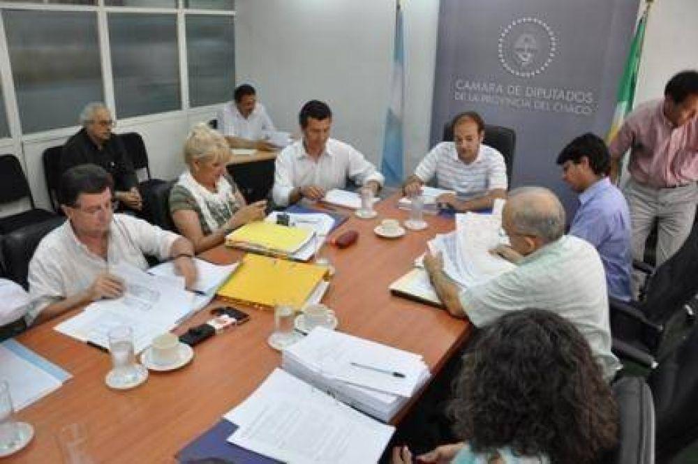 Comisión de Hacienda debate con los gremios la modificación a la ley de tasas judiciales