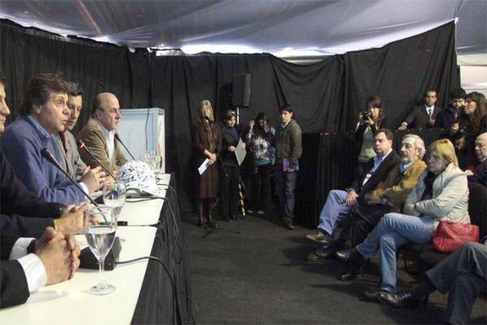 Segarra se mostró con Pulti en la ExpoIndustria