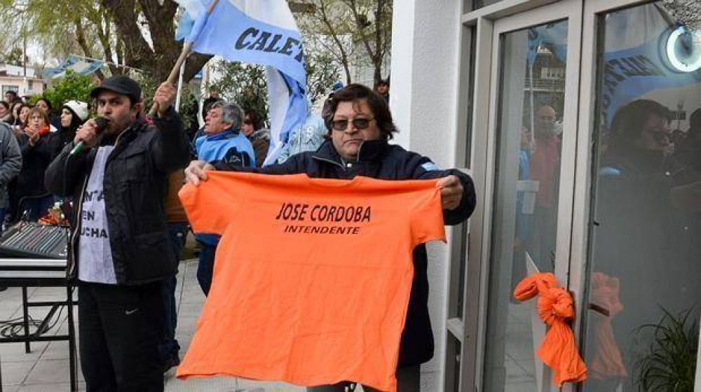Municipales de Caleta respondieron a Córdoba con masiva marcha de protesta
