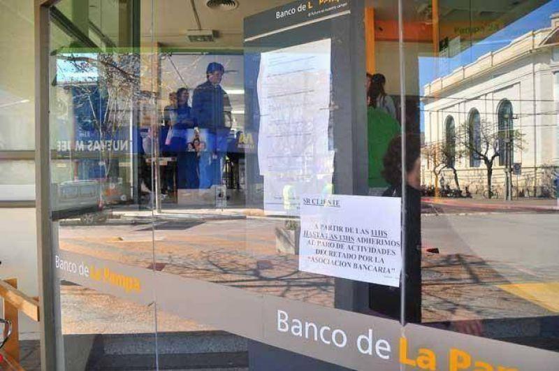 Conflicto bancario: gremialistas est�n reunidos en el Ministerio de Trabajo de Naci�n