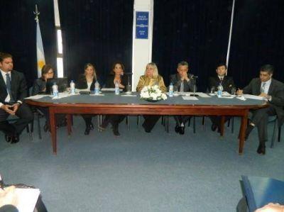 Ministros del Ejecutivo expusieron ante diputados los alcances del proyecto de ley Presupuesto 2013