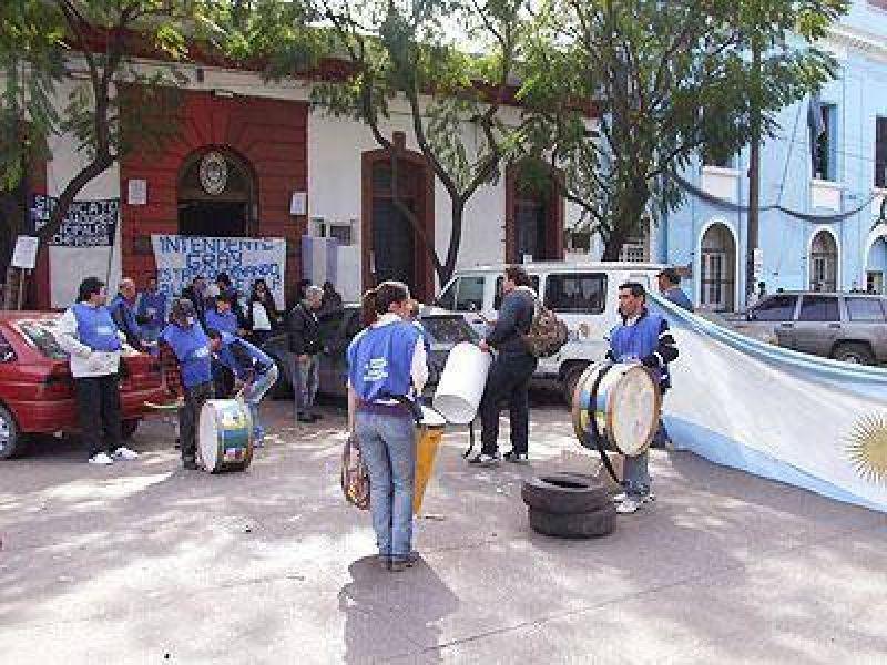 Echeverria: El reclamo por las horas extras continúa sin resolución