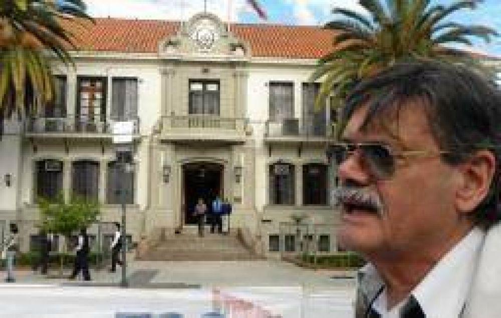 Un sector sindical, decidido a confrontar con la 'Casa de las Tejas'