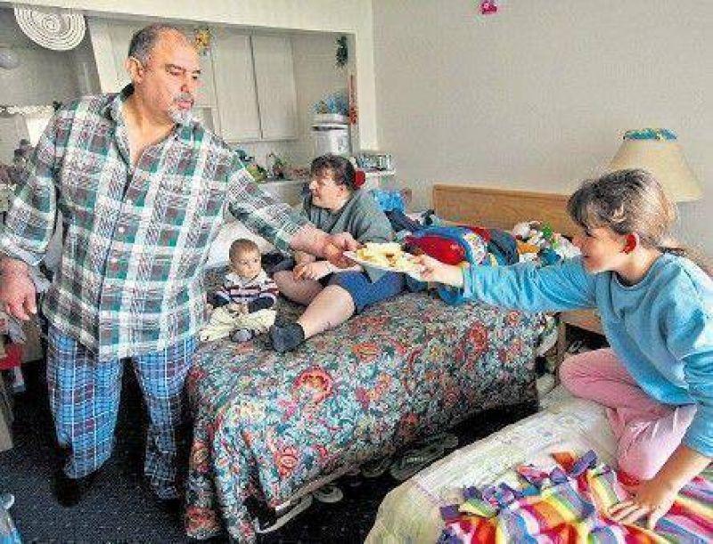 Los otros homeless: familias enteras que viven en moteles