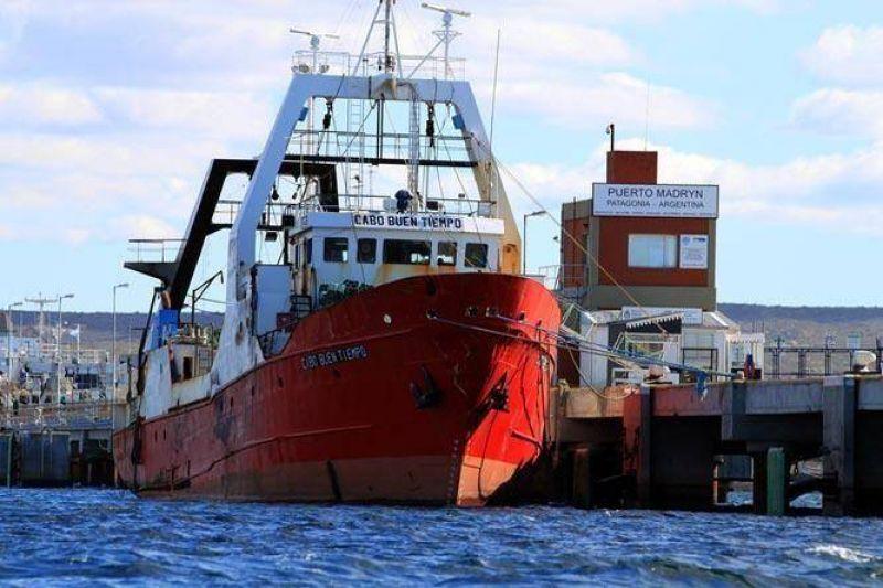 Por venta de barcos paralizan toda la flota de Alpesca