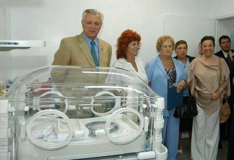 Ivoskus recibi� una importante donaci�n para el Hospital Thompson