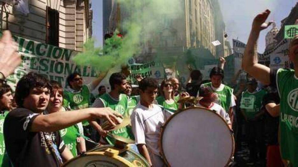 Trabajadores de ATE Capital marchan a la sede de Gobierno porteño