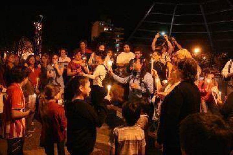 Sofía: los padres de la nena participaron de la concentración en la Plaza
