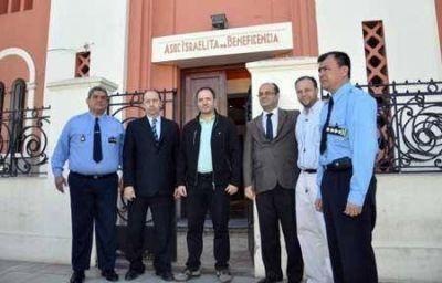 Instalan cámaras de seguridad en instituciones israelitas