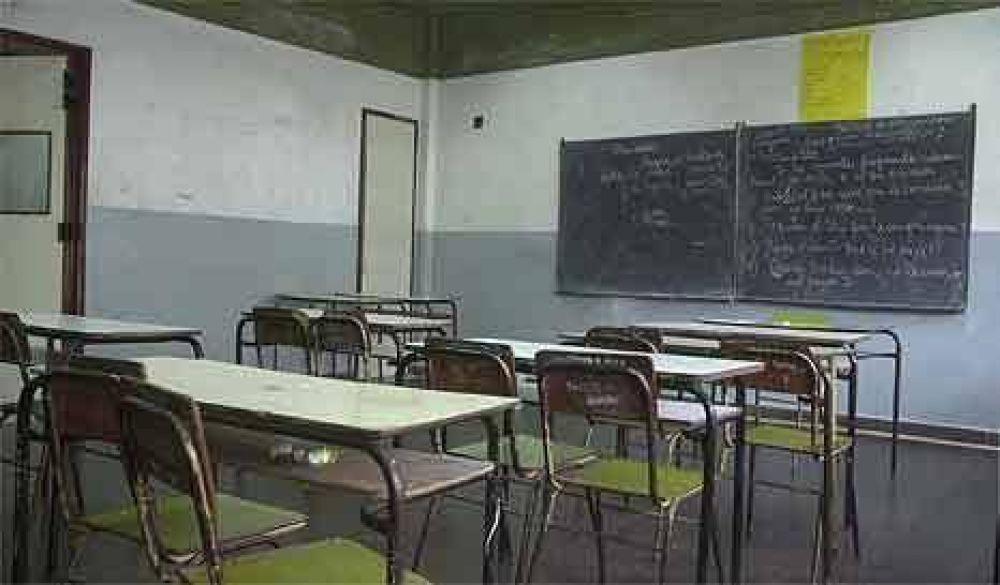 Total adhesión docente al paro