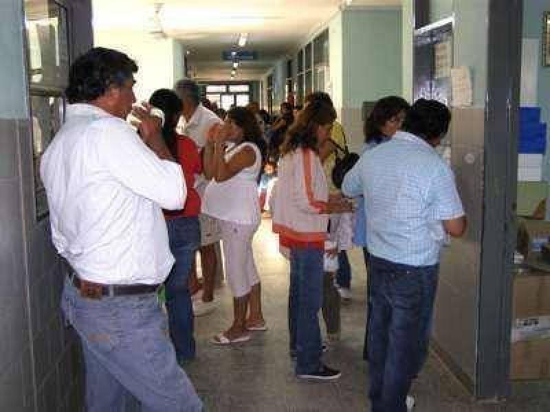 Desborde sanitario en el interior por el avance del Dengue.