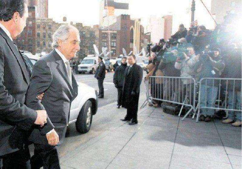 Avergonzado, Madoff se declar� culpable y qued� detenido