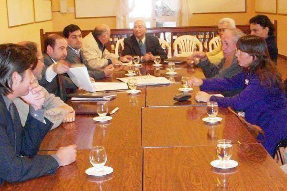 La comisión retoma el estudio del proyecto impulsado por Jumbo