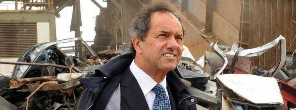Scioli insiste: presiona a legisladores para que traten las excarcelaciones