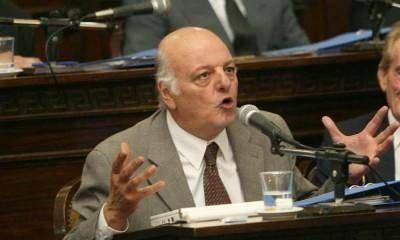 Jaliff le sugiri� a Paco P�rez que promulgue la enmienda que acota la reelecci�n de intendentes
