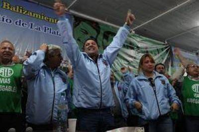 Los sindicatos se resisten a desalojar la isla Demarchi