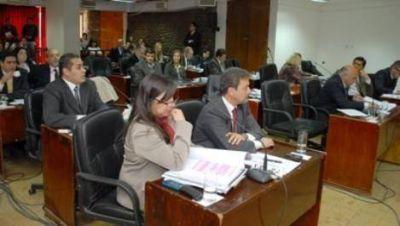 Cruce entre oficialistas y opositores por los jueces