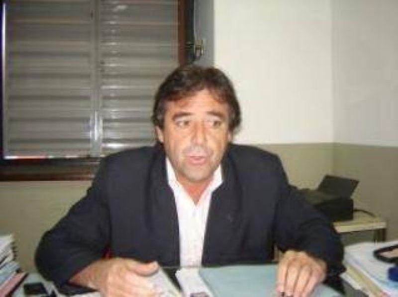 """Para la UCR de Jujuy el adelantamiento de elecciones """"no hace otra cosa que más que enfrentar a las instituciones democráticas""""."""