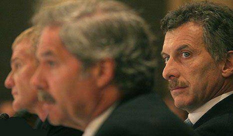 Fisuras PROperonistas: Macri analiza, De Narváez apoya y Solá se opone