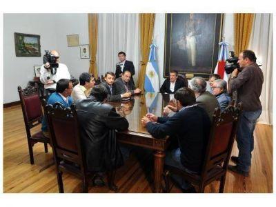 Se concretó el pase de los intendentes del FEF al urribarrismo
