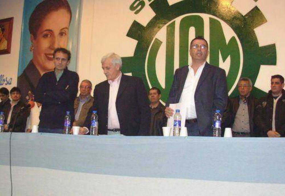 Lobato reasumió en la UOM San Martín acompañado por Caló y Katopodis