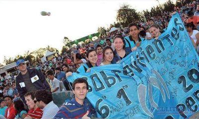 Miles de jóvenes disfrutaron de la mega fiesta en el Cocomarola
