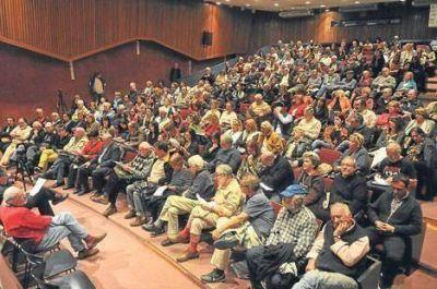Carta Abierta pide revisar medidas para reconquistar a la clase media