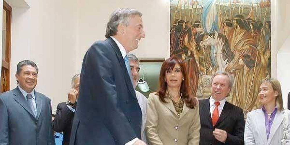 Deciden adelantar las elecciones y avanza la candidatura de Kirchner