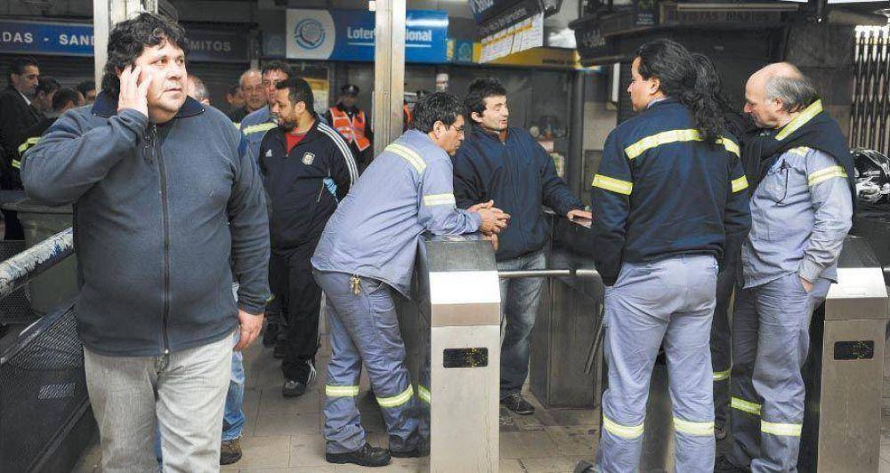 Metrodelegados buscan salida política