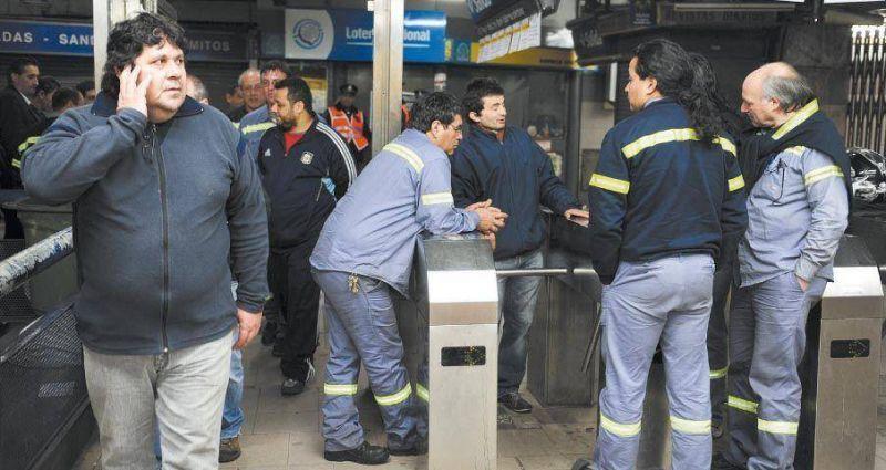 Metrodelegados buscan salida pol�tica