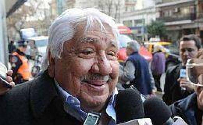 """Lescano confirma que no hay acuerdo en la CGT oficialista, pero dice que """"Caló es indiscutido"""""""
