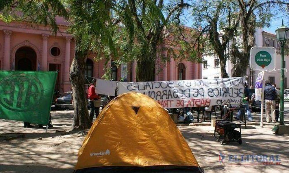 Con ATE, volvieron las carpas frente a Casa de Gobierno