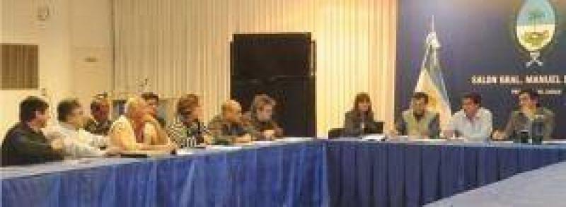 """Reunión de Paritarias: Capitanich adelantó que habrá un """"marco jurídico"""" para abordar el """"embargo"""" de sueldos por parte de compañías crediticias"""