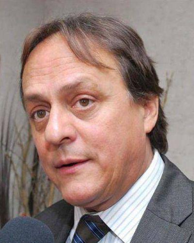 El ministro Urbani desmintió  Los argumentos de APUAP
