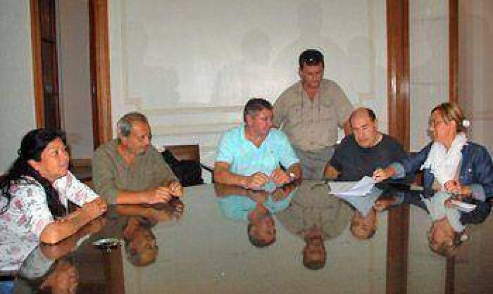Los gremialistas municipales aguardan una audiencia con Héctor Gutiérrez