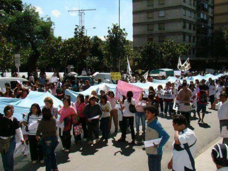 Jujuy:Todos los docentes inician hoy un paro por 72 horas.