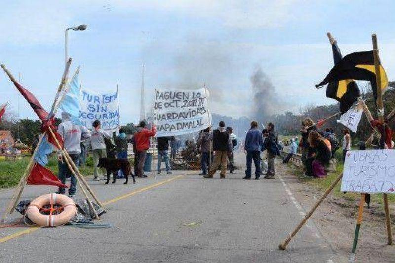 Guardavidas anuncian piquete para el pr�ximo fin de semana largo en Luro y la costa